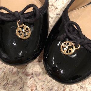 Tory Burch Shoes - Tory Burch round toe low heel pump - size 8